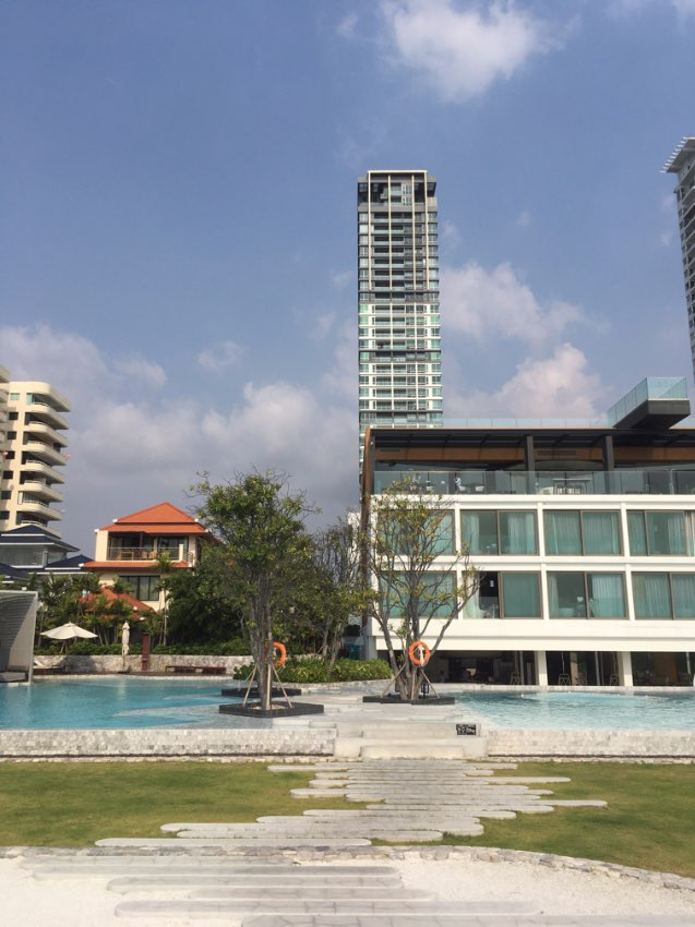 Beachfront Condo in Veranda Residence and 5* hotel Na Jomtien Pattaya