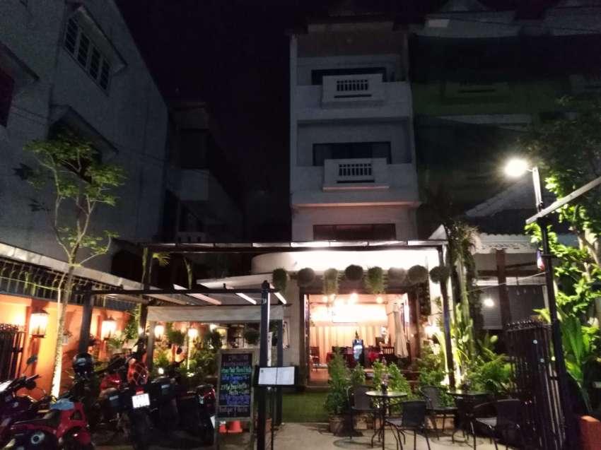 EXCELLENT popular restaurant for SALE