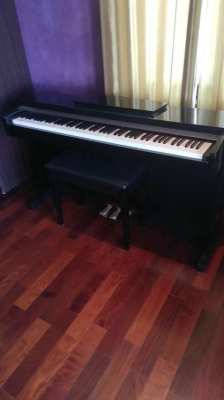 New! Electric Yamaha piano