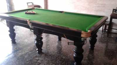 BEAUTIFUL; HIGH QUALITY POOL TABLE N STICKS N BALLS
