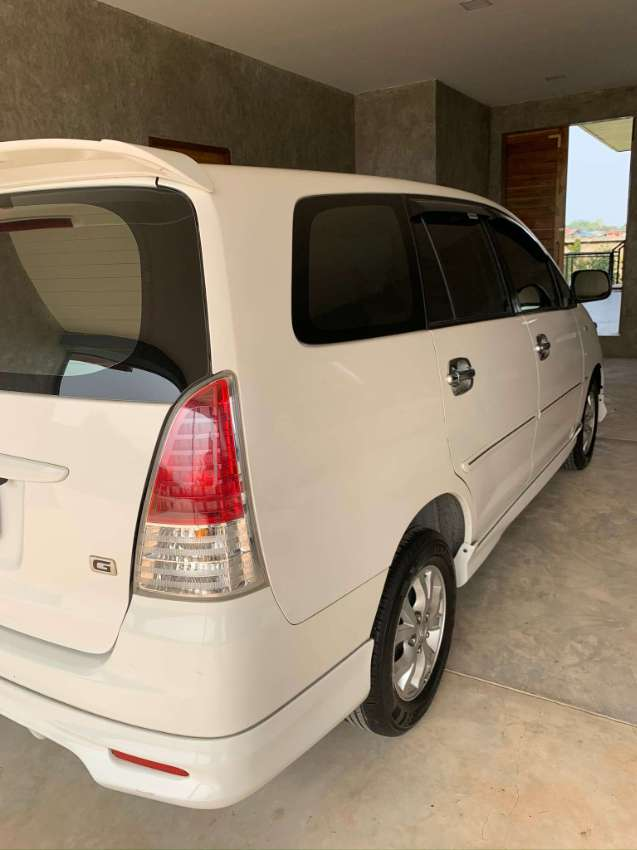 RELIABLE AND PRACTICAL TOYOTA INNOVA VAN WITH VERY LOW KM