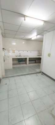 Townhouse for rent in Chatkaew Village, 16 sq.wa., Happy Land Rd., Bang Kapi