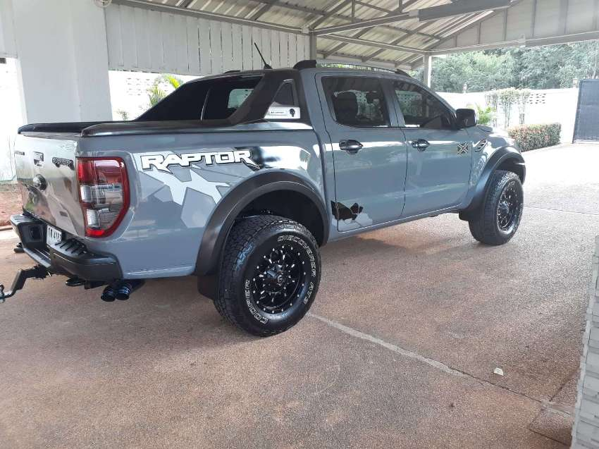 Raptor   .  Ford  never been offroad.