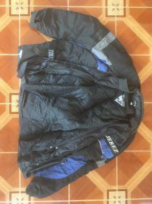 Coat Motoline Jerez XL with removable thermal lining. Waterproof.