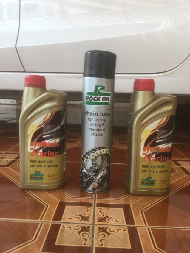 Rock Oil 1x600ml Chain Lube & 2x1L Synthesis 2.