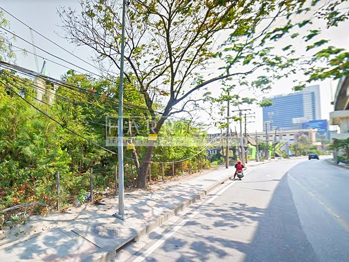 Large plot of land for sale on Rama 9 Road.