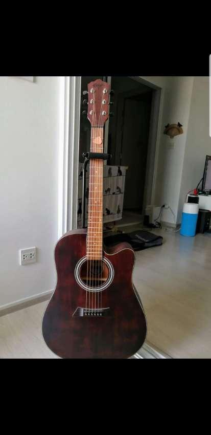 Guitar Beautiful sounding with option