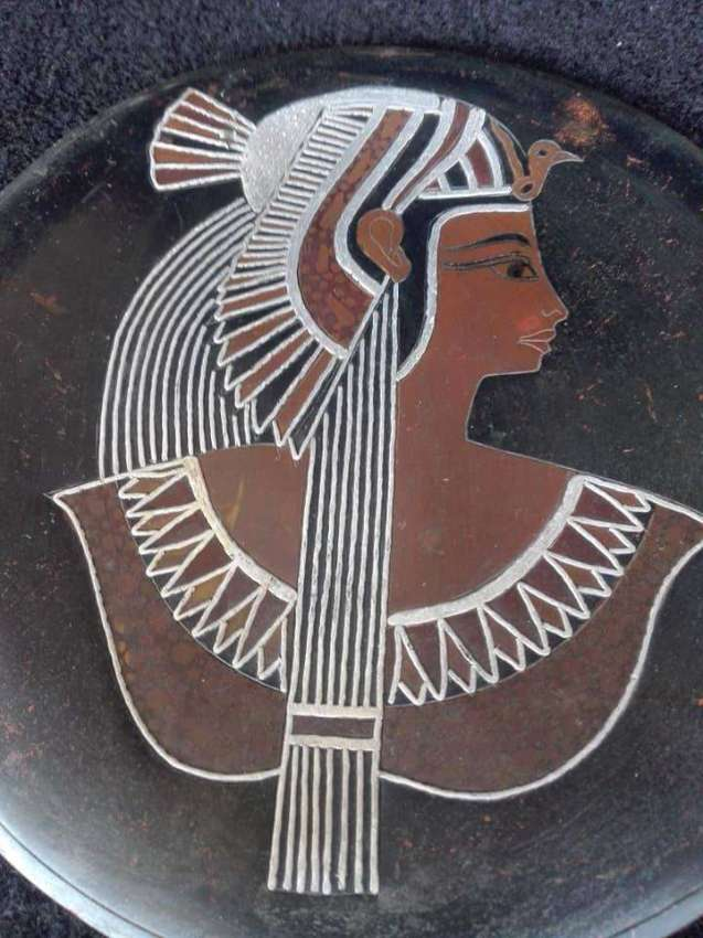 Vintage Iron Egypt pharaon plate
