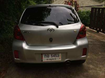 2013 Toyota Yaris 275,000 B
