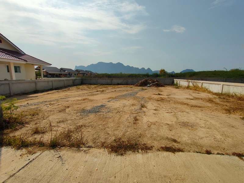 Bargain Priced Home Plots in Completed Development