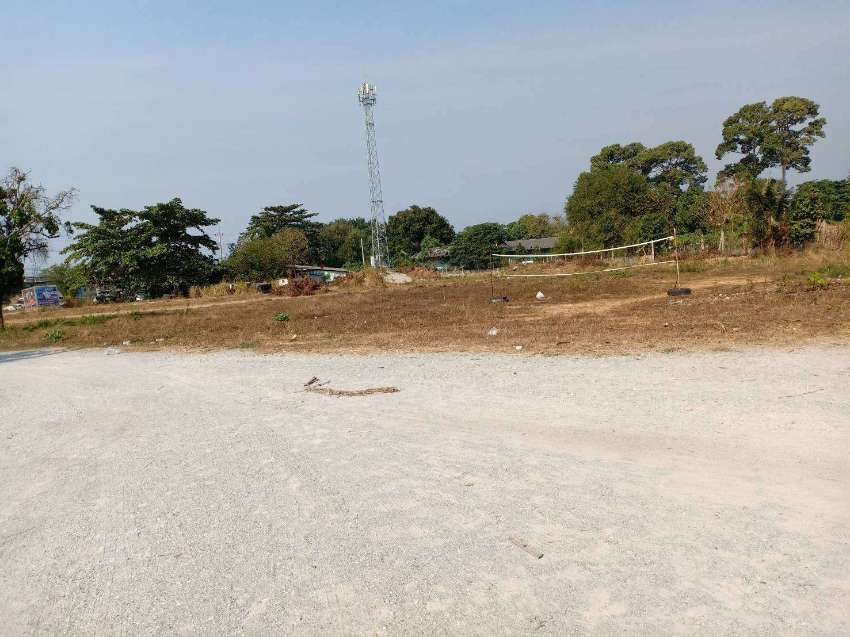 Land for sale with Apartment building Pattaya total 8 Rai.