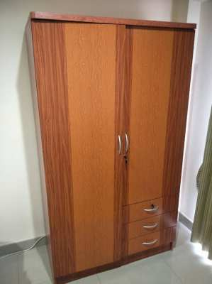 ขายตู้เสื้อผ้าห้องนอน 950฿