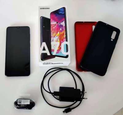 Samsung Galaxy A70 like new with warranty