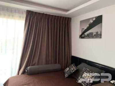 Beautiful apartment in a popular complex!
