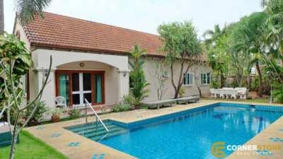 #HS1484  Private Villa Next To Phoenix Gold Golf Course For Sale