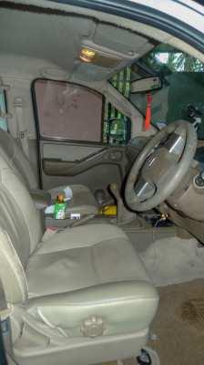 Nissan Navara 4x4 Custom