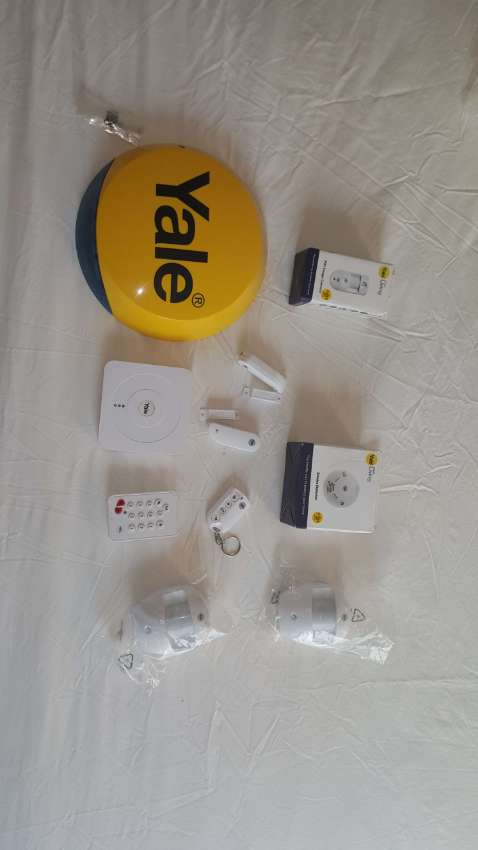 Yale Smart Home Alarm and View Complete System
