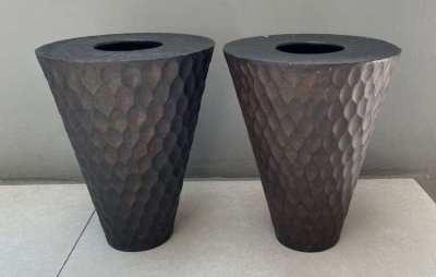 2 wooden vases