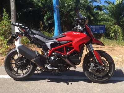 Ducati Hyperstrada 821 low mileage as new