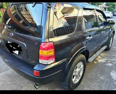 Urgent Sale 2005 Ford Escape XLT 4WD