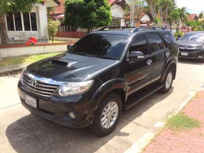 TOYOTA FORTUNER 2013 4WD TOP