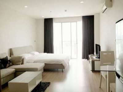 FOR RENT SKYWALK RESIDENCES / Studio / 40 Sqm.**24,000**