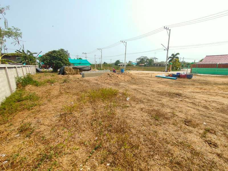 Coveniently Located 148 TW Home Plot Just Outside Town