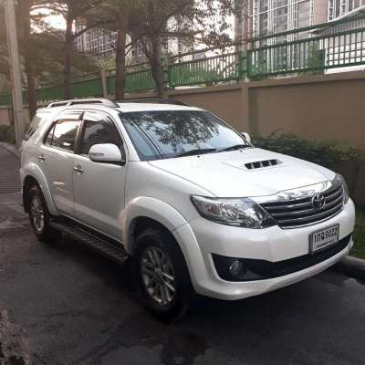 TOYOTA FORTUNER FOR SALE - Nov. 2012 - Great Deal!