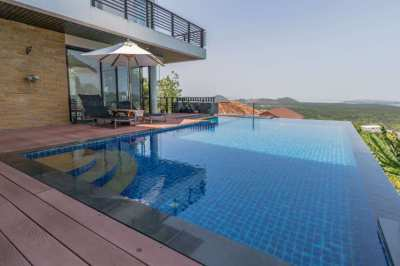 Stunning 5 Bed 6 Bath Villa with Pool and fantastic Seaviews