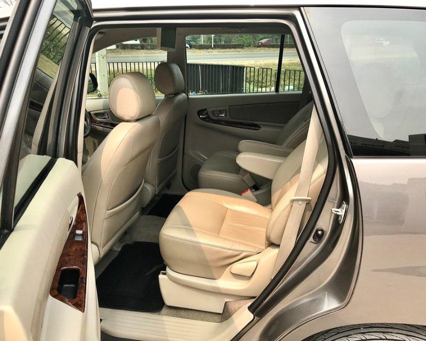 Toyota Innova 2012 2.0V