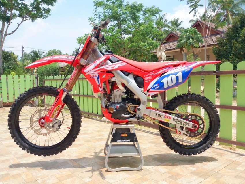 CRF 250 R motocross, dirt bike, complete rebuilt 2019 *like new*