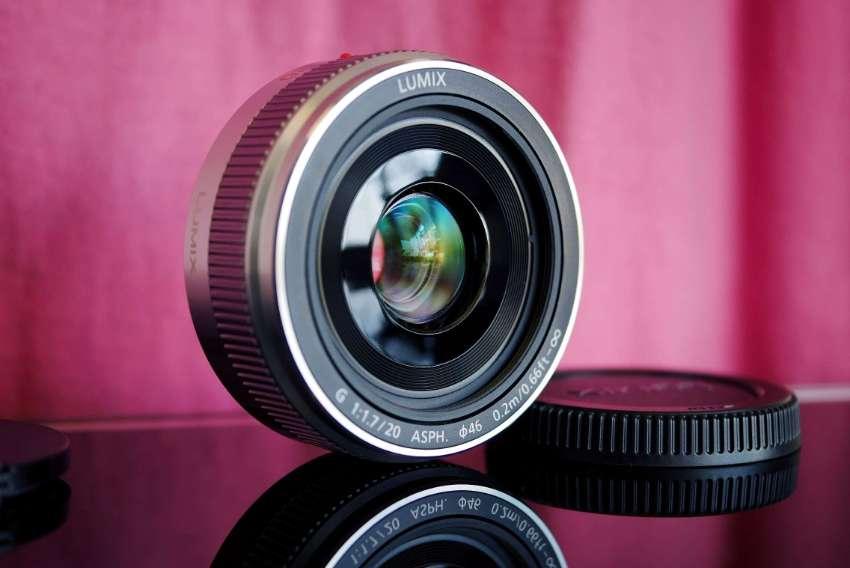Panasonic Lumix G 20mm F/1.7 II Silver Lens in Box