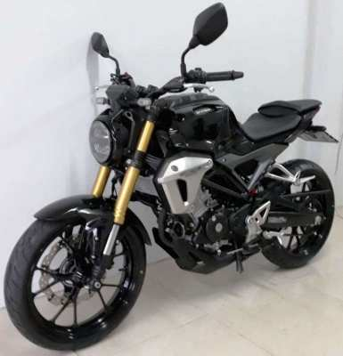 Honda CB 150R rent start 2.975 ฿/M (6 Month contract paid in 1 time)
