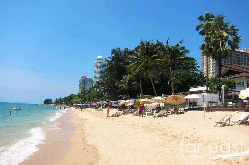 Wongamat 2 Bedroom Rental - Beachfront Access
