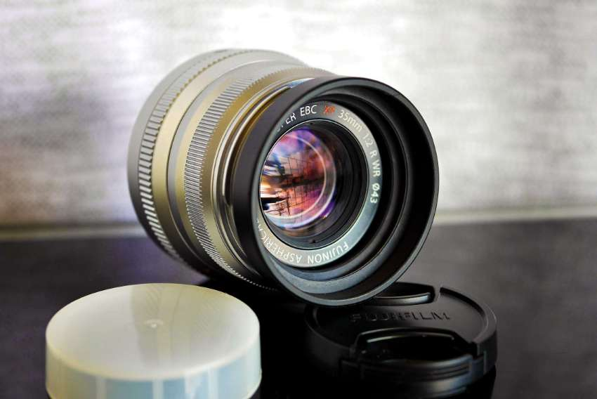 Fuji Fujinon XF 35mm F/2 R WR Silver Prime Lens w/ Hood