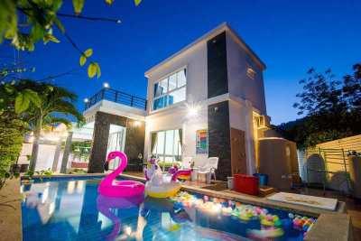 Fully Furnished 3 BR 3 Bath Pool Villa in Party Rental Development