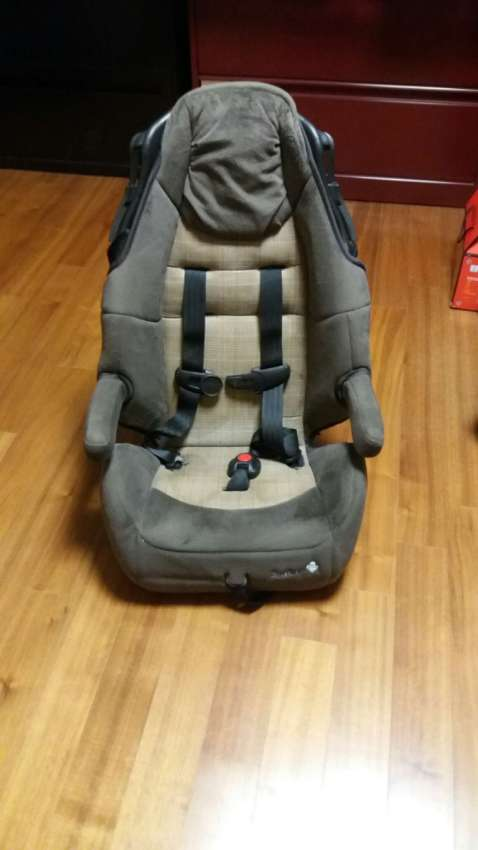 MAKE OFFER NOW FREE SHIPPING! PRICE DROP Safety 1st Car Seat