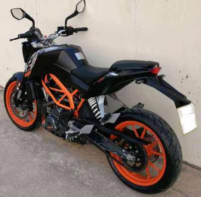 KTM Duke 250 rent start 8.075 ฿/month