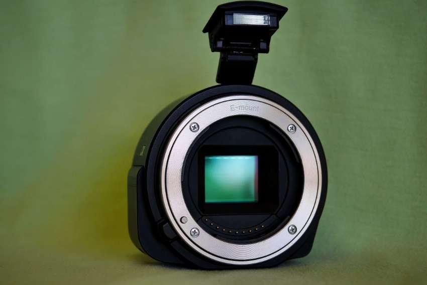 Sony Alpha ILCE-QX1 NFC Wi-Fi Camera APS-C 20.1MP Sensor