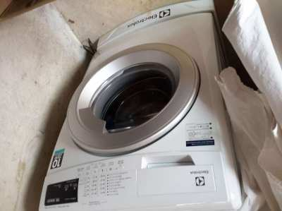 ELEXTROLUX EWF12844 WASHING MACHINE