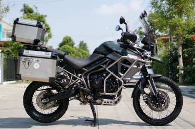 Triumph Tiger XCA 2016 with 3 Triumph boxes and only 17,4xx kms!