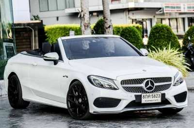 Benz C300 Cabriolet AMG. Can open the roof. Thai car center. Very rarely used.
