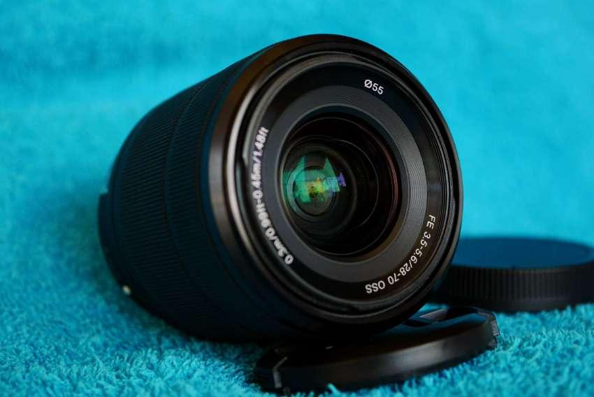 Sony FE 28-70mm f/3.5-5.6 OSS Full Frame SEL2870 Black lens