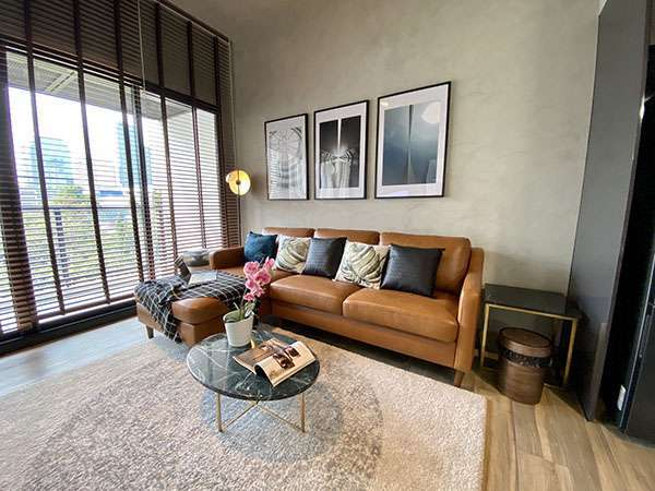 A Nicely Décor and Brand New 2 Bedroom Unit at The Lofts Asoke
