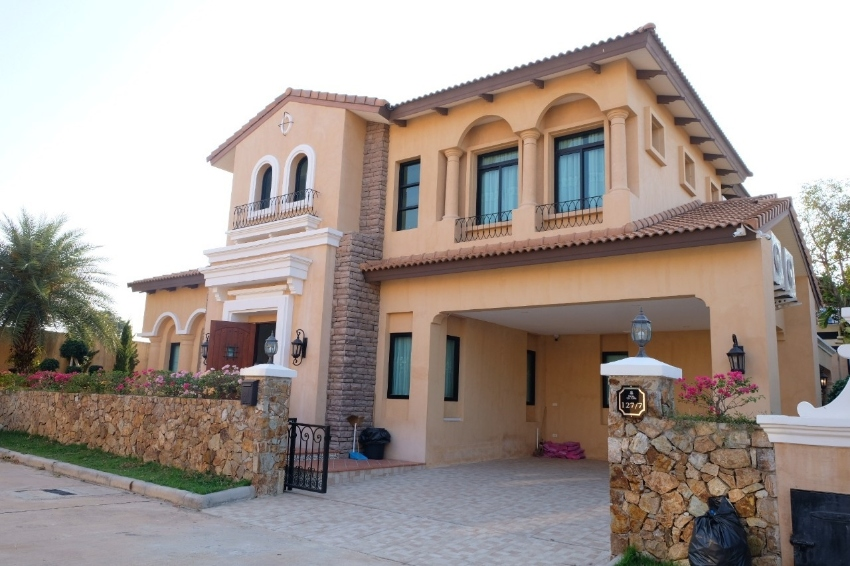 Single house in Nusa Chivani Village, Nusa chvani 110 Sq., 3 bedrooms, 4 bathrooms