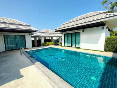 Beautiful Modern 3 BR 4 Bath Pool Villa on Large Plot 5 Min. to Town