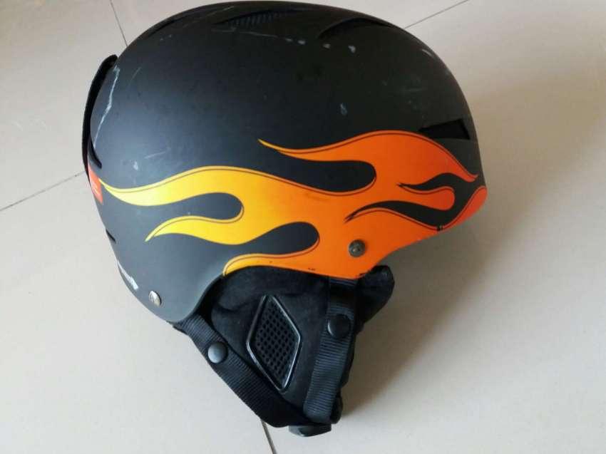 PRICE DROP EXCELLENT GIRO Helmet