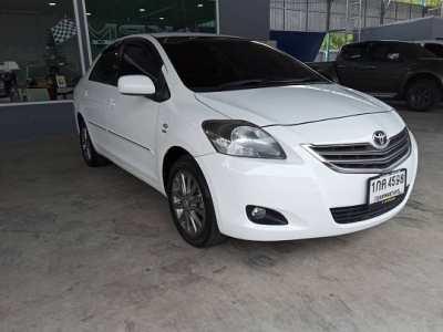Selling a sedan Toyota vios 1.5E, automatic transmission, year 2012