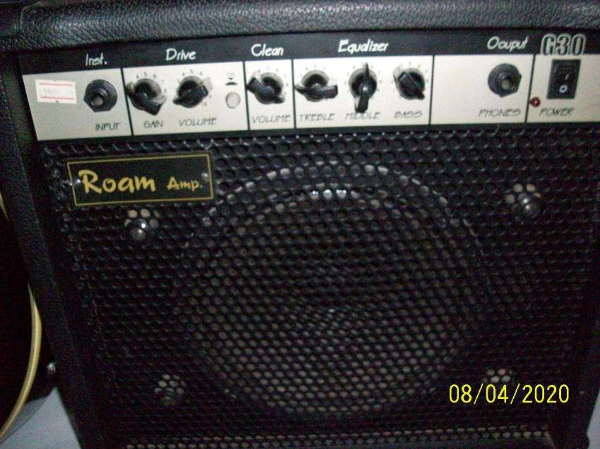 bargain Half Acoustic Guitar Cetury 7500 Bath With Emplifier