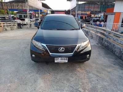 Selling a LEXUS RX270 2012 sedan. Check the Lexus center throughout the Full Option.